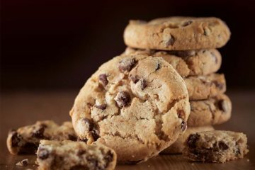 GOLD LABEL CHOCOLATE CHUNK COOKIE