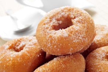 BAKELS GOLDEN CAKE DOUGHNUT